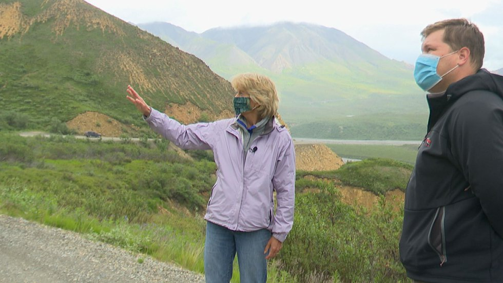U.S. Senator Lisa Murkowsi discusses the geography of the Denali Park Road with the KTUU...