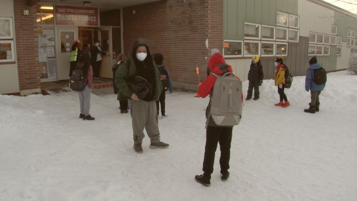 Lake Otis Elementary welcomes back third through sixth graders