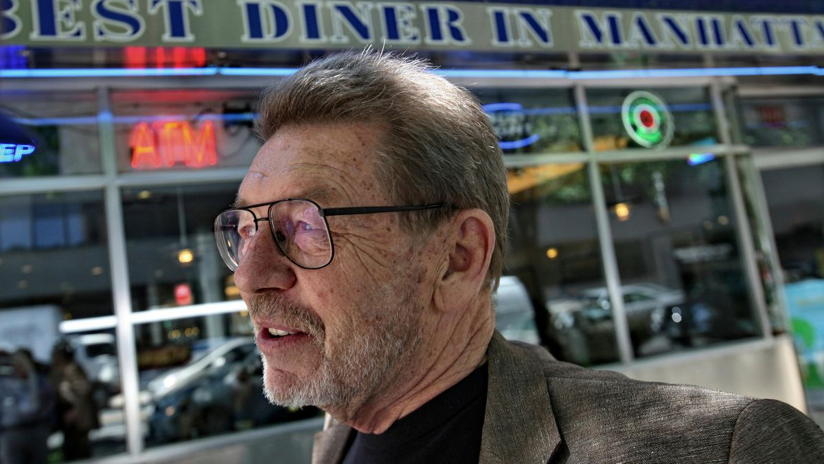 The longtime New York City newspaper columnist and author has died.