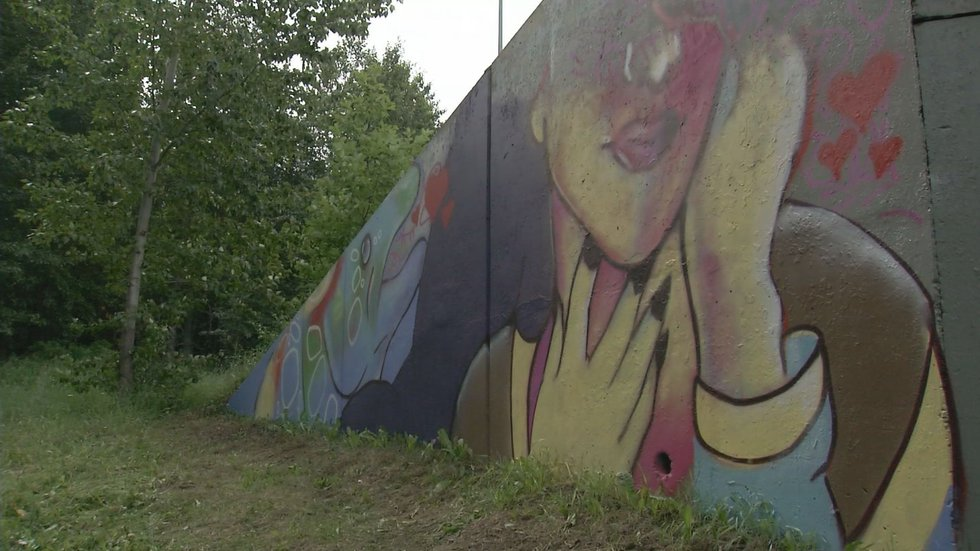 Artist William Kozloff's mural depicts an Athabascan story
