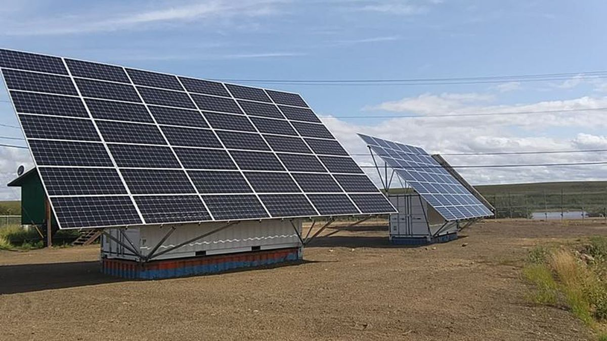 Solar panel arrays in Buckland (Photo courtesy of Timothy Gavin)