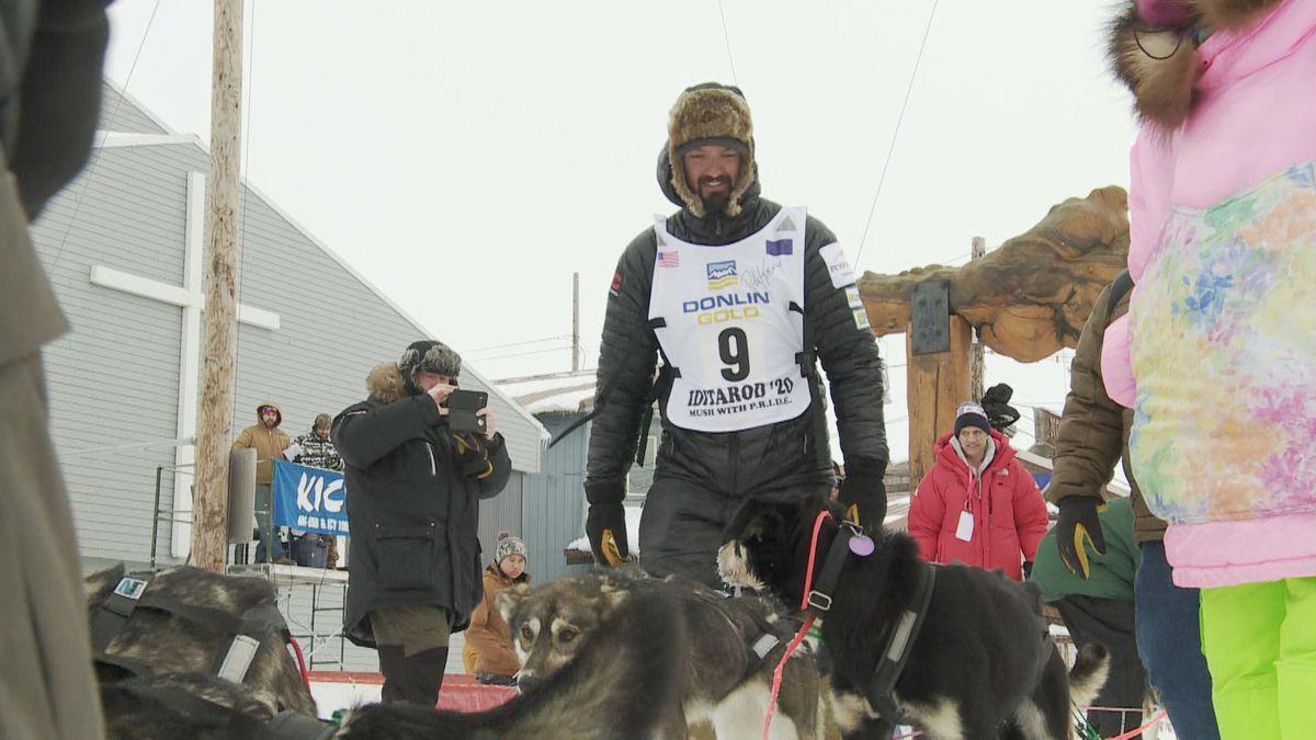 2019 Iditarod champion Pete Kaiser finishes the 2020 race. (KTUU)