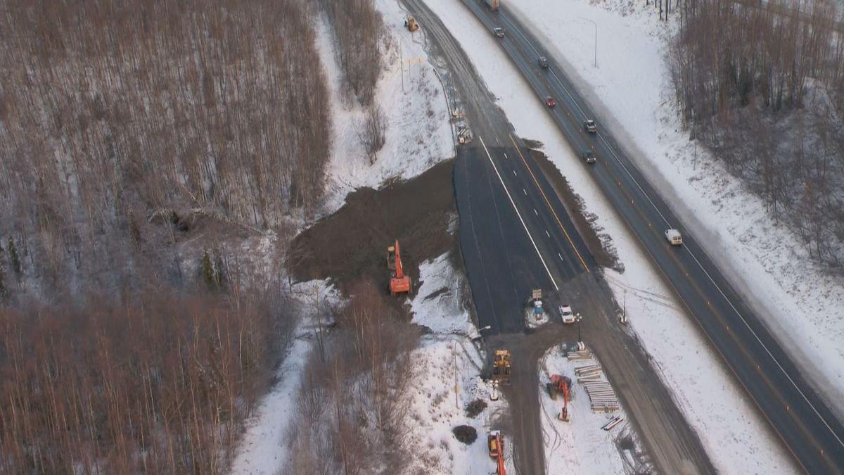 Glenn Highway earthquake repairs near Mirror Lake (KTUU)