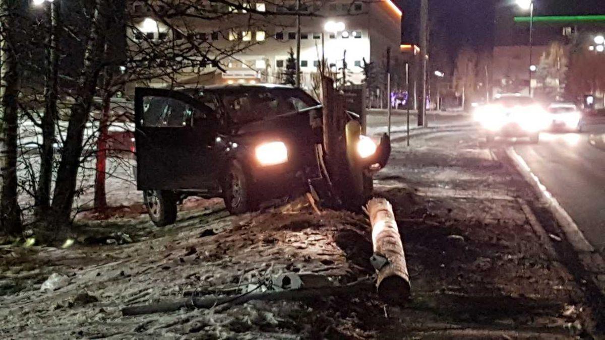 Vehicle crash on Debarr, November 8, 2018. Photo by KTUU Mike Nederbrock.