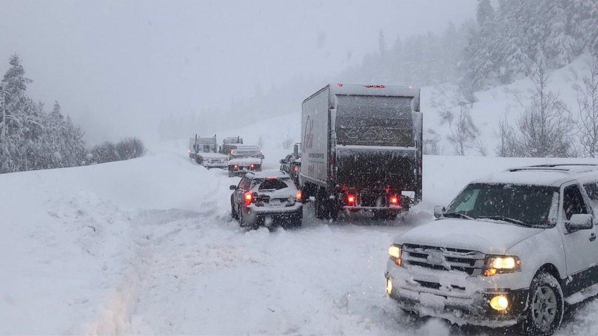 Turnagain Pass closure Feb. 20, 2020 (Alaska Dept. of Transportation & Public...