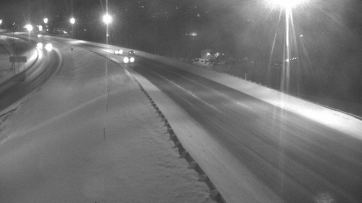 The Glenn Hwy at the Eagle River Bridge. (image from Alaska 511 website)