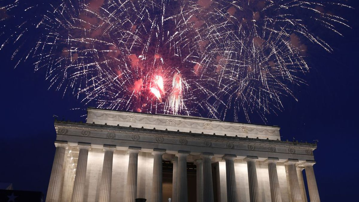 Fireworks go off over the Lincoln Memorial in Washington, Thursday, July 4, 2019. (Source: AP Photo/Susan Walsh)