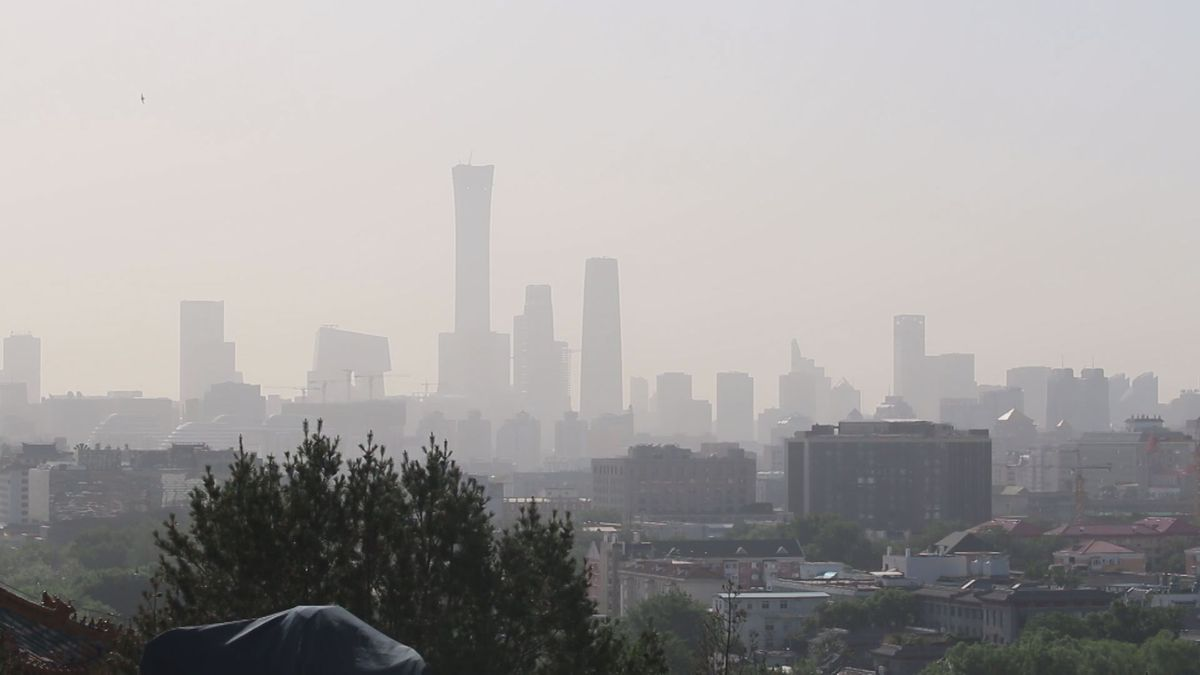 Pollution fills the sky over Beijing in May 2018 (KTUU)