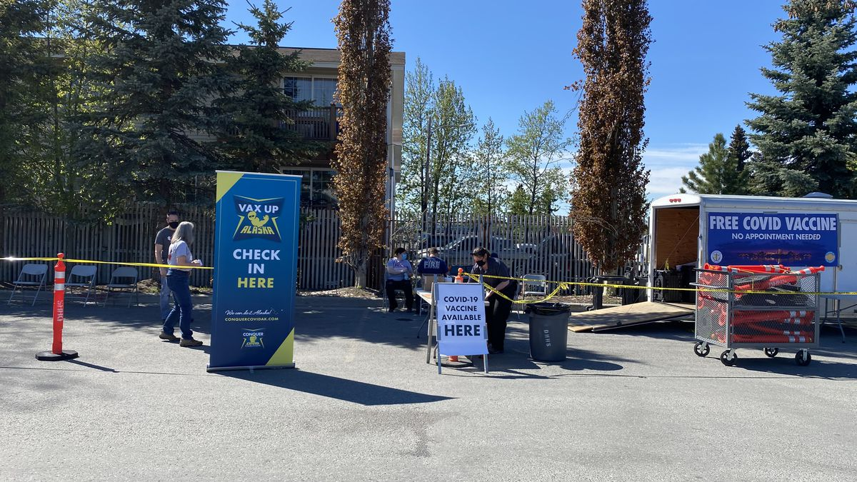 COVID vaccine clinic held in the Bear Tooth parking lot.