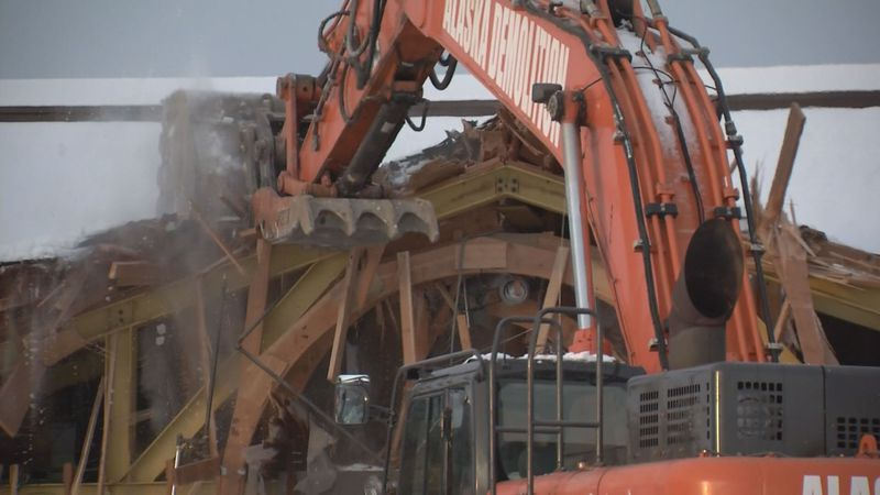 Demolition begins on Houston Middle School damaged by 2018 earthquake.