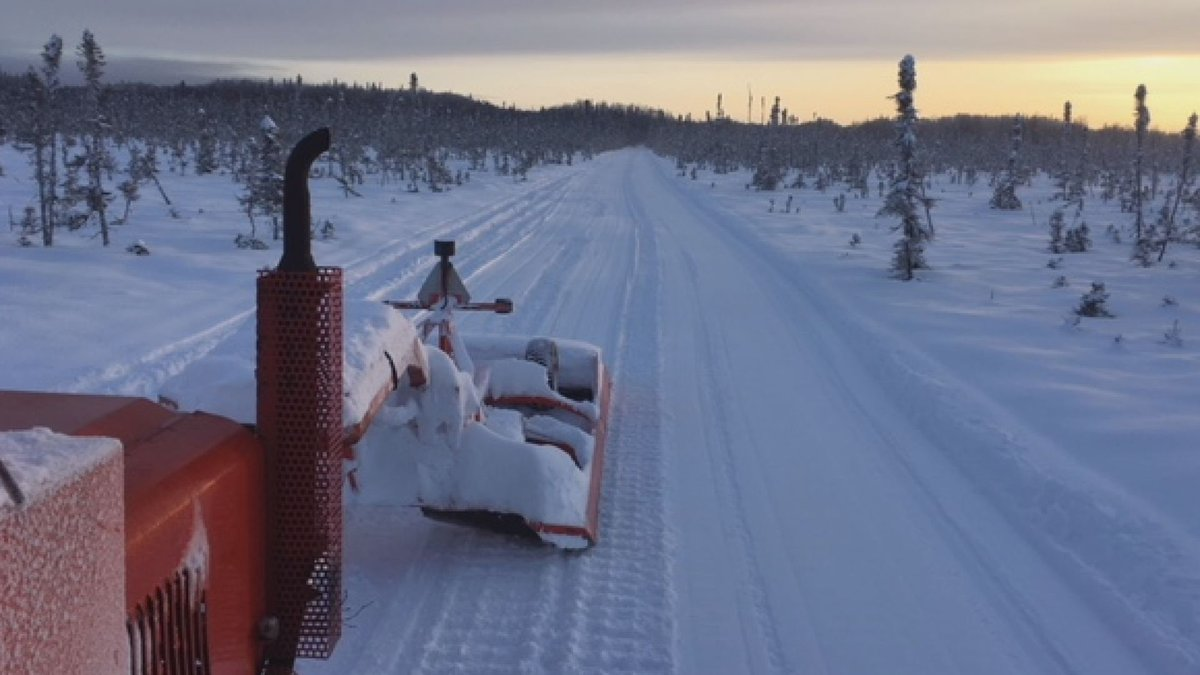 A SNOWTRAC tractor grooms a snowmachine trail, image courtesy of Dan Mayfield.