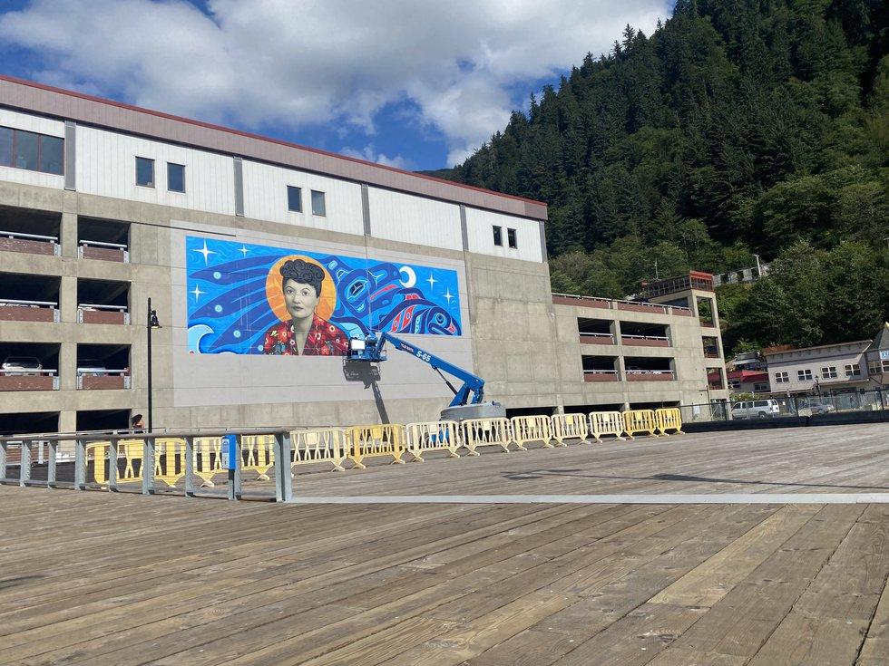 Installing the Elizabeth Peratrovich mural in downtown Juneau. (09/01/2021.)
