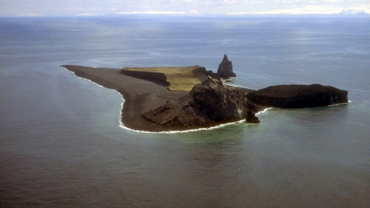 Photo courtesy Alaska Volcano Observatory/U.S. Geological Survey