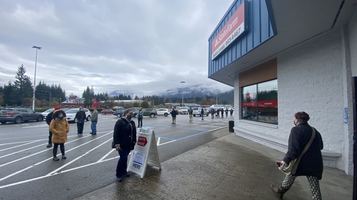 Voters reported long lines to vote at the Mendenhall Mall in Juneau.