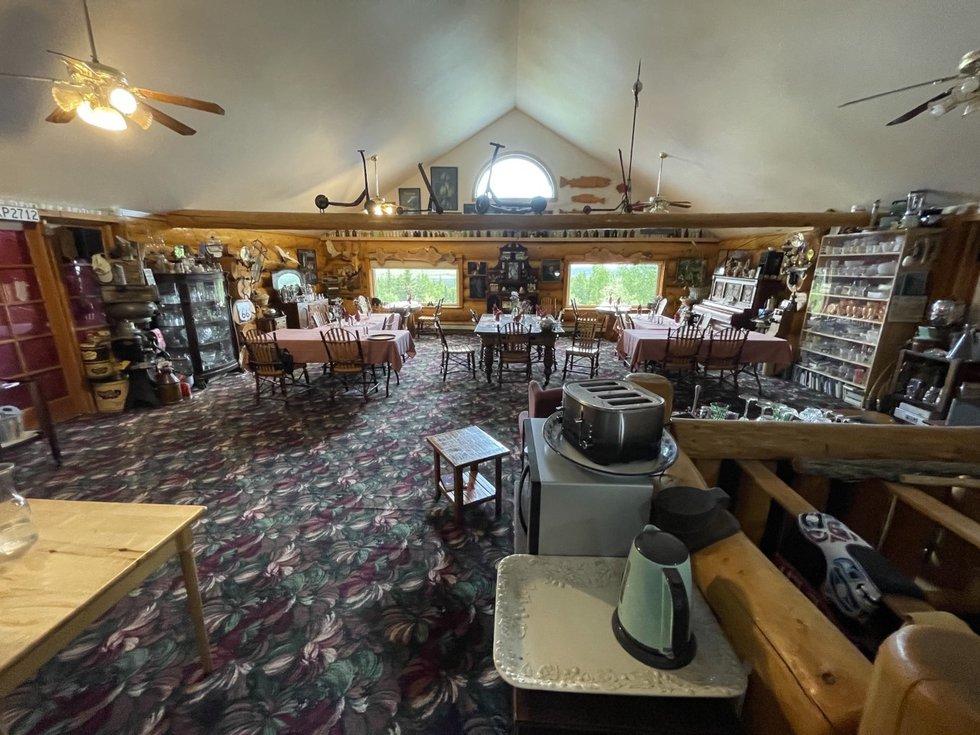 The breakfast room at A Taste of Alaska Lodge