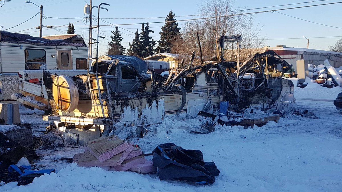 Motorhome completely destroyed in a fire on Fairbanks Street. Photo by KTUU Mike Nederbrock.