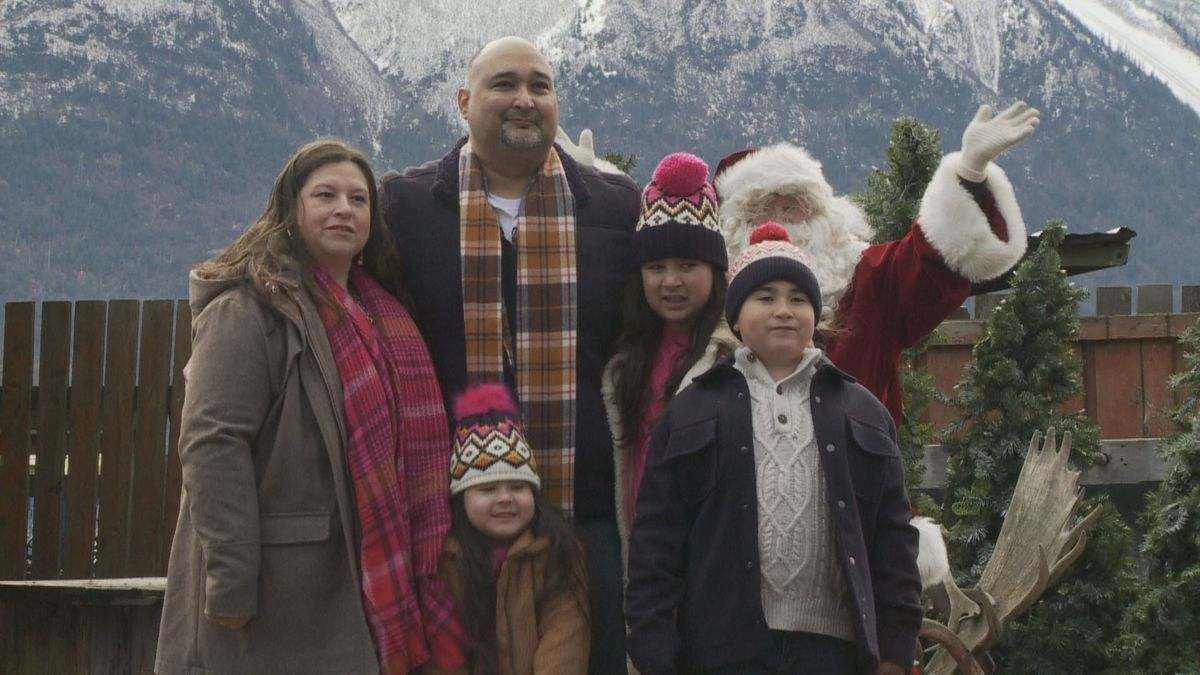 Robert Ramos holds his family close on Thanksgiving weekend. He has advanced-stage kidney...