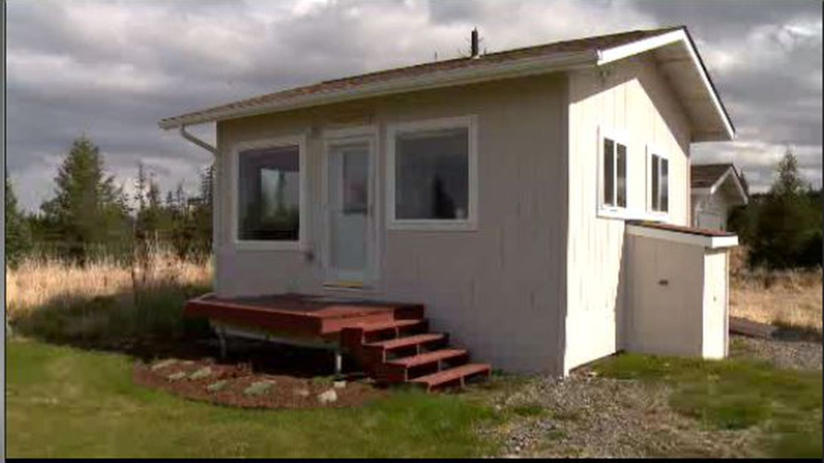 The Storyknife guest cabin being used by individual authors.